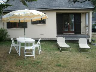 Bright and colourful 2-bedroom apartment in Manche, Normandy - 200m from Port-Bail beach!, Denneville