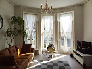 Lansdowne Place - Luxury Regency Holiday Let, Hove