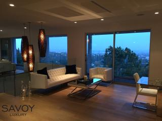 Hollywood Hills Modern, 5 Bed, Gated, View, Pool, Los Angeles