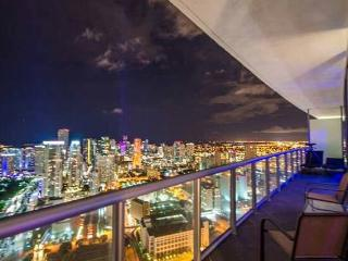 LUXURY PENTHOUSE UNIT AMAZING BREATHTAKING  VIEWS, Miami Beach