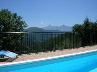 Villa with pool situated near the Apuan mountains, Fivizzano