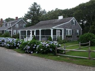Pure Cape Cod cottage-16 Northern Avenue, Harwich 125075, Harwich Port