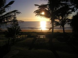 'Horizons' Unit 2 - Beachfront Unit, Bargara