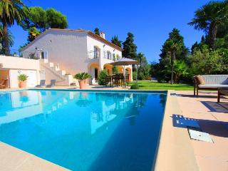 Very Private Garden apartment ., Juan-les-Pins