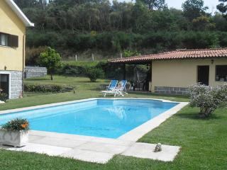 Villa for 8 with Pool and Mountain View 360º, Vila Verde