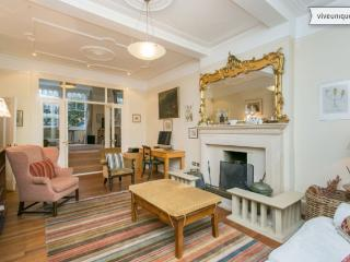 Spacious 4 bed house, Ennismore Avenue, Chiswick, London