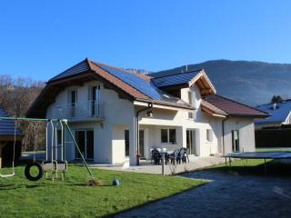 Country House by side ANNECY  French Alps, Nâves-Parmelan