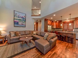 Luxury Vacation Home in Suncadia!  4 BR | Slps 11 |  Hot Tub! 4-for-3 Special, Cle Elum