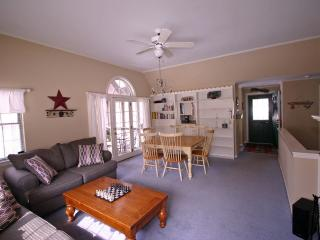 Fully equipped Family and Friends Vacation Condo, North Conway
