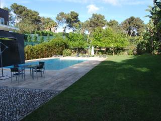 Luxury QueenElisabeth Golf Pool Villa, Cascais