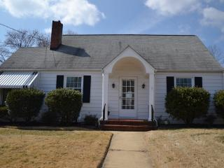 *BOOK NOW* Beautiful Cottage in historic Annapolis