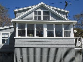 THE HAVEN | EAST BOOTHBAY | OCEAN VIEWS | CLASSIC MAINE COTTAGE | ENCLOSED SUNROOM & OPEN PORCH WITH SPECTACULAR VIEWS | MINUTES FROM BOOTHBAY HARBOR, Boothbay