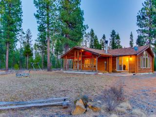 Gorgeous, secluded cabin on 40 acres w/ river access!, Sunriver