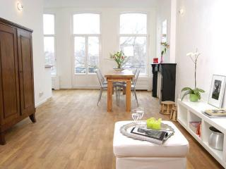 Nice Apartment for 2 near Jordaan!, Amsterdam