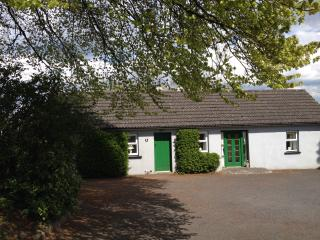 Scregg Cottage - lovingly restored farm cottage, Carrick-on-Shannon