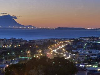 Private Home with 4 self-catering apartments, Gordon's Bay