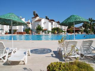 FAMILY HOLIDAY VILLA SHARED POOLS QUIET BEACH, Sarigerme