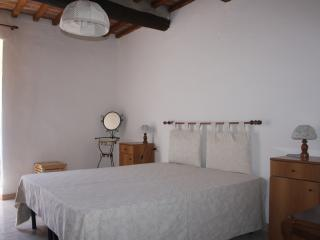 Seaside flat in the historical center  with Wi-fi, Baratti