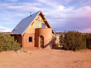 Magical passive solar adobe casita, Abiquiu