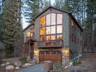 4BR/3BA Tranquil Luxury Lake Tahoe House,Sleeps 10, South Lake Tahoe