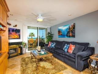 Coral Reef ~ Spectacular West-facing Ocean Views!, Oceanside