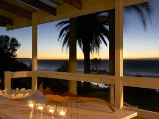 WOMBARRA REEF HOUSE - Contemporary Hotels, Scarborough
