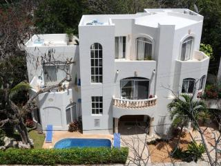 5 bedroom villa in Playacar Fase 1, PDC, Playa del Carmen