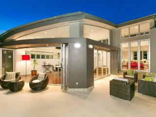 Headland Paradise-Luxury Beachside House nr Manly, Curl Curl