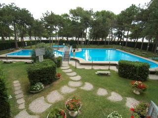 Residence Cristallo with two swimming pools & A/C, Lignano Sabbiadoro