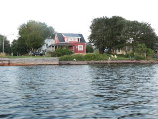 Seldom Inn (private weekly vacation rental house), Saint Andrews