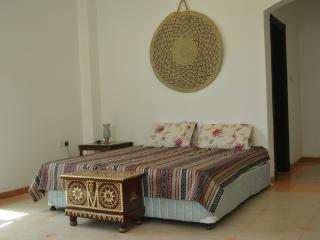 DELUXE DOUBLE BEDROOM with ENSUITE BATHROOM, Mascate