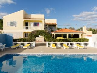 Villa Cadre w/ Pool and Snooker, Armacao de Pera