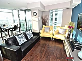 Modern Downtown Lakeside Living - CNE & Fort York, Toronto