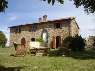 Country House in a wild area of Central Umbria, Montegiove