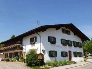 Vacation Apartment in Bad Bayersoien - 344 sqft, rustically and completely furnished (# 1619)