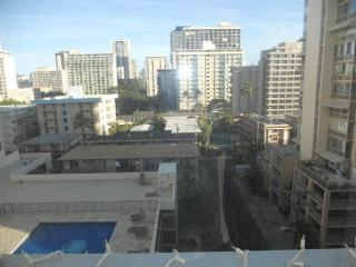 NEWLY REMODELED 2BR 1BA CONDO, Honolulu