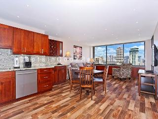 Ocean and Canal Views from this 2/2 condo with AC, parking, washer/dryer!, Honolulu