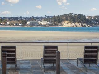 Seaside apartment in Cap Morgat, Brittany, with 1 bedroom, pool and terrace – 30m from the beach!, Crozon