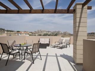 one bedroom with large terrace, Tersefanou