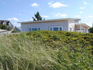 REXHAME BEACH, MARSHFIELD, MA  OCEANFRONT BUNGALOW, Marshfield