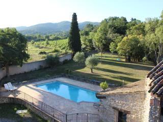 holiday home in nature with pool and spa, Ladern-sur-Lauquet