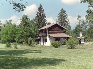 Traditional mountain home for real nature lovers !, Mel