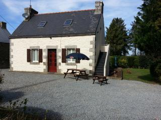 Traditional Breton Cottage, set in the countryside, Bourbriac
