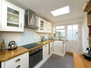 Luxury Victorian 2 bed cottage in central Windsor