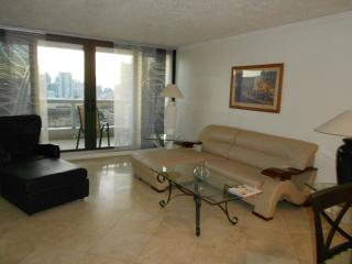 3556,Large 4 bdrm high over Hilton!, Miami