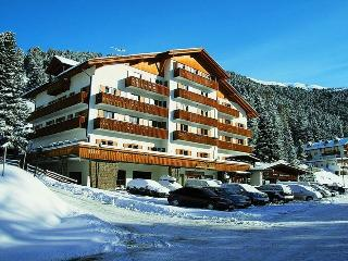 Sunny equipped apartment for real ski lovers !, Bressanone