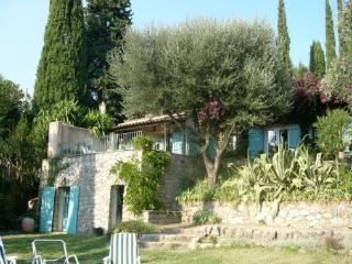 Provencal villa, landscaped garden, private pool, Auribeau-sur-Siagne
