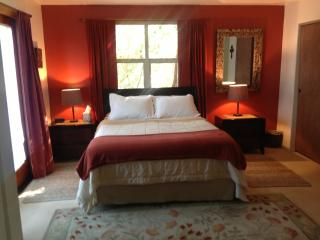 'Om Sweet Om' Country Retreat, Gardens + Mtn Views, Ashland