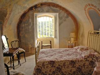 Historical Apartment in Remparts, Bonnieux Luberon