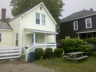 Great Location! Best Prices! 5th house to Beach, Old Orchard Beach